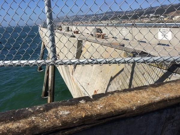 damaged pier 4784
